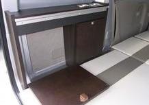 スズキ エブリイ PC キャンピング仕様 車中泊ソーラーパネル走行充電 地デジのサムネイル